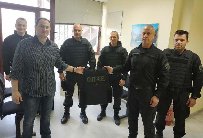 Άρτα: Δωρεά υλικοτεχνικού και μηχανογραφικού εξοπλισμού από την Ένωση Αστυνομικών Υπαλλήλων Άρτας