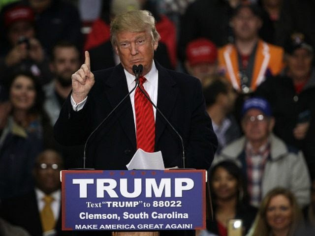 Republican presidential candidate Donald Trump speaks during a campaign rally February 10, 2016 in Clemson, South Carolina.)