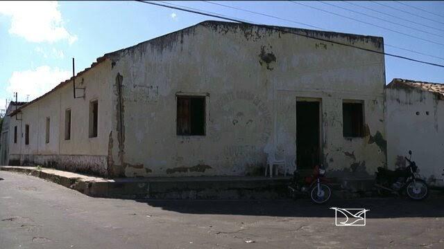 DESCASO: Em Caxias, unidade de saúde atende pacientes em prédio sem estrutura