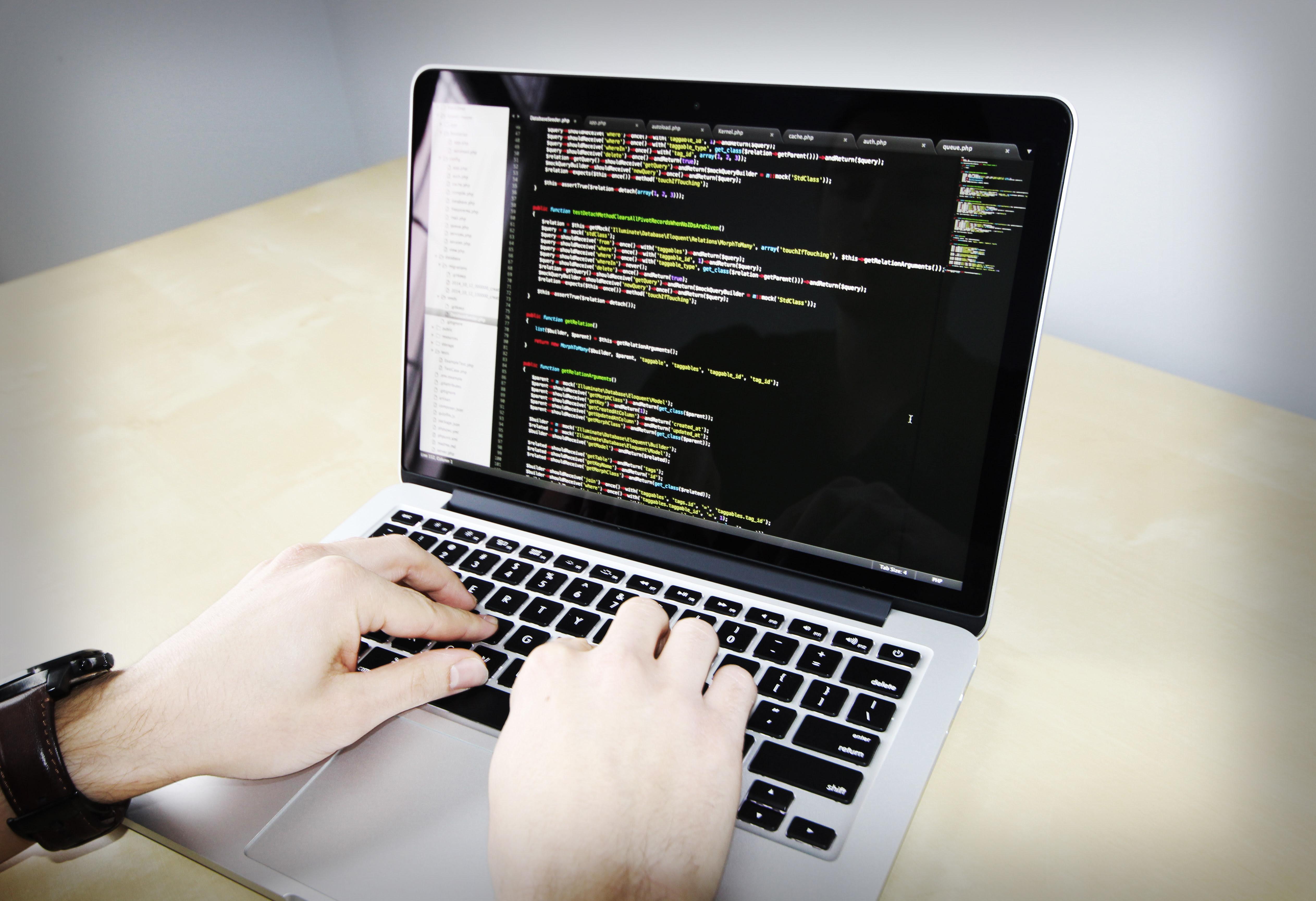 http://www.sagoetunong.id/2016/03/apa-yang-kamu-ketahui-tentang-software-engineer.html