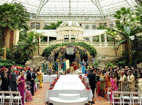 Indian wedding ceremony mandap floral decor in Orlando