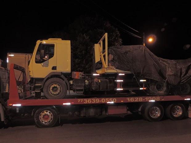 Grupo levava carga roubada de fazenda em caminhão (Foto: Blog do Braga)