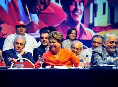 PT 10 anos: Dilma volta a defender mudança 'urgente' no sistema político do país