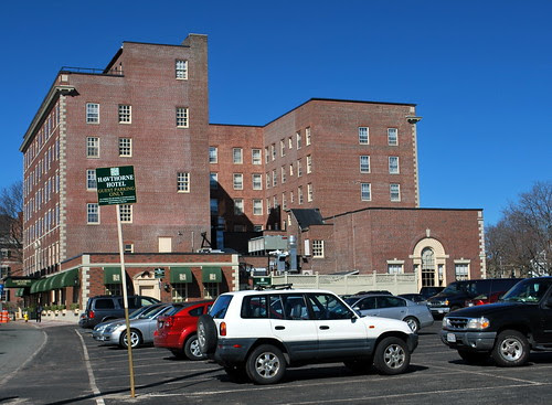 Hawthorne Hotel Across the Parking Lot