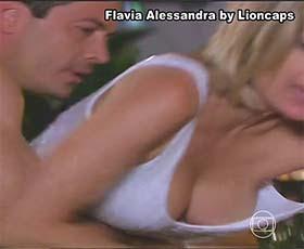 Flavia Alessandra sensual nas novelas Caras & Bocas e Sérimo Guardião