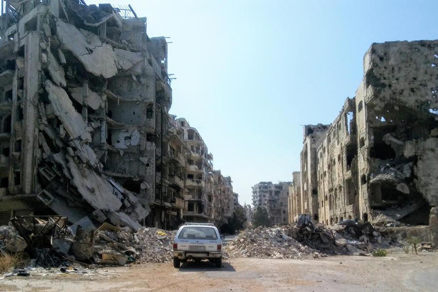 Las zonas más afectadas son los perímetros exteriores de los barrios ocupados por los grupos armados, como este de Homs (Foto: Pablo Sapag M.)