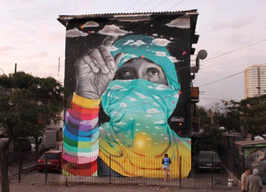 Dasic Fernandez El Muralista Chileno Que Lleva El Arte Urbano A Las