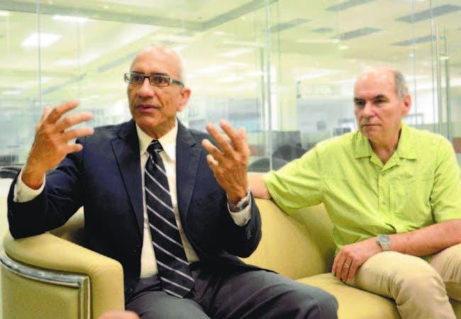 Julio Espaillat y Robert Crowley ejecutivos de Goldquest Dominicana
