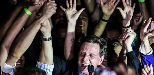 Prefeito eleito do Rio, Crivella (PRB) discursa no Bangu Atlético Clube, zona oeste da cidade