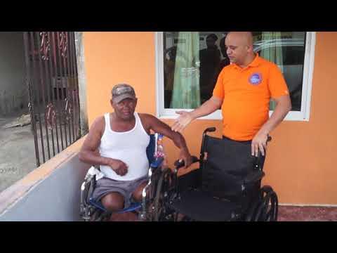 serie59 y fundación Dona Rosa entregan donación