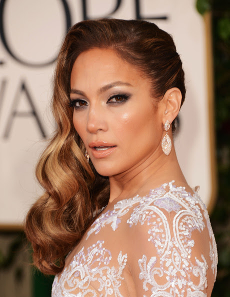 How to DIY Jennifer Lopez's Retro-Inspired Waves