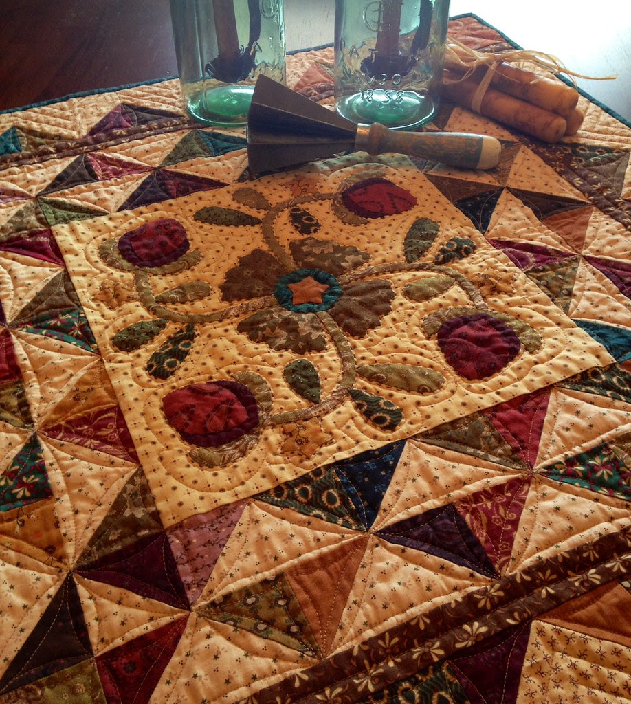 Hopscotch Quilt in the Simple Whatnots Miniature Quilt Club