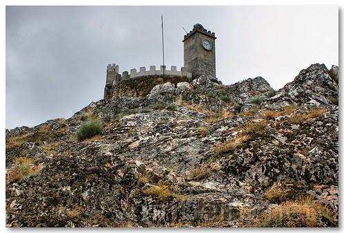 Castelo de Folgosinho by VRfoto