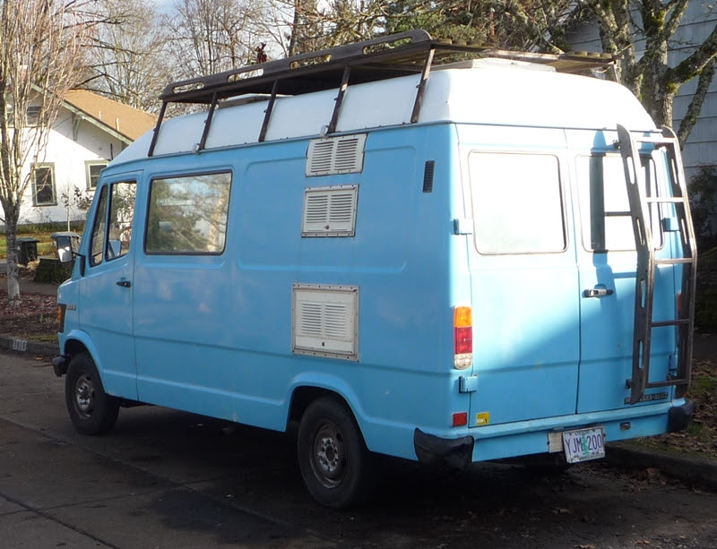Curbside Classic: Mercedes-Benz 207D (T1) And Other Vintage MBZ Vans