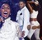 Janelle Monae executa um medley de canções em homenagem ao falecido cantor Príncipe em 2016 BET Awards em Los Angeles, Califórnia, EUA, 26 de junho de 2016. REUTERS / Danny Moloshok