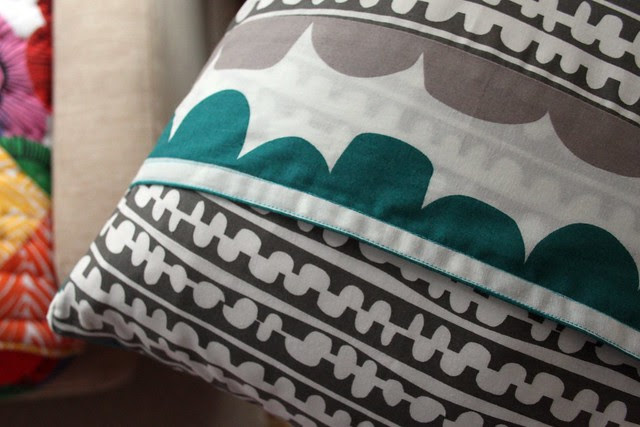 echo pillow -- back