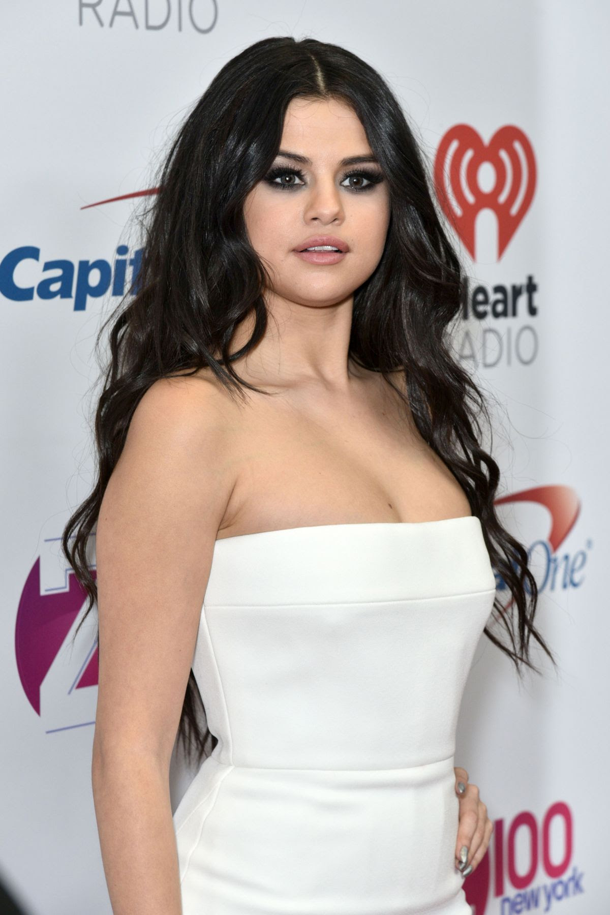 SELENA GOMEZ at Z100's Jingle Ball 2015 in New York 12/11/2015