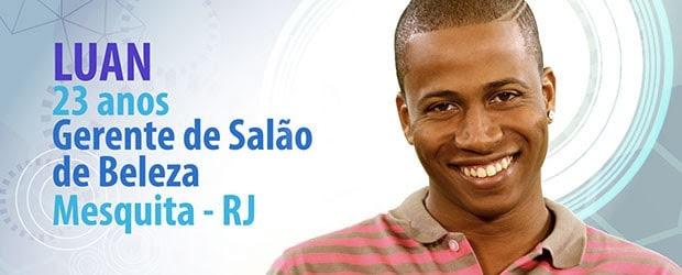 O carioca Luan trabalha na gerência de um salão