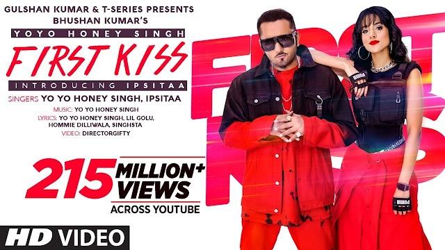 First Kiss Lyrics in Hindi - Yo Yo Honey Singh