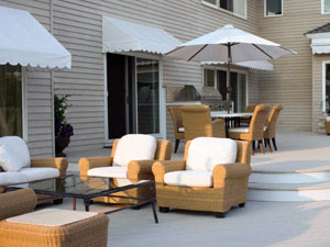 Ideas To Decorate Outdoor Entertaining Space - Oneindia Boldsky