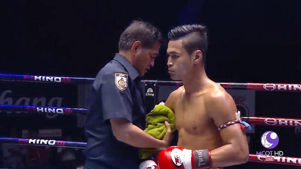 Liked on YouTube: ศึกมวยไทยลุมพินี TKO ล่าสุด 27 พฤษภาคม 2560 มวยไทยย้อนหลัง Muaythai HD :trophy: http://dlvr.it/PHbl87