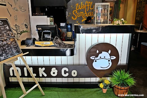 Milk n Co, Nongkrong Sambil Minum Susu (Surabaya)