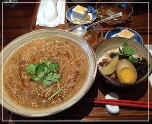 池袋「有夏茶房」にて。わーい台湾の味の麺線だ~♪