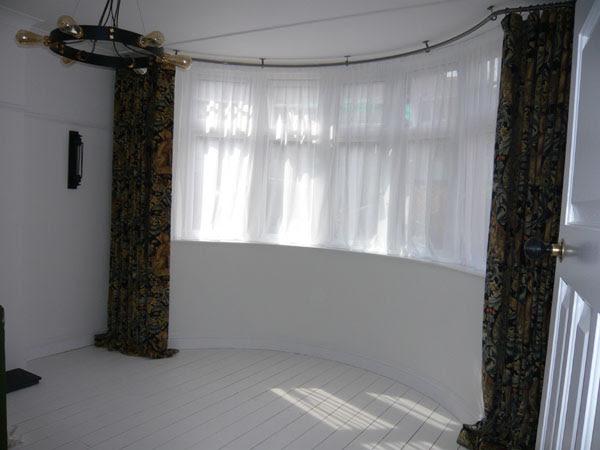Bradleys 25mm Ceiling Fix Bay Window Curtain Pole And Morris Co