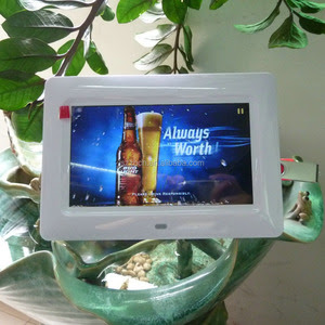 7 Battery Operated Digital Photo Frame 7 Battery Operated Digital