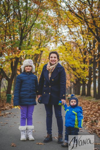 Тала Калатай с детьми