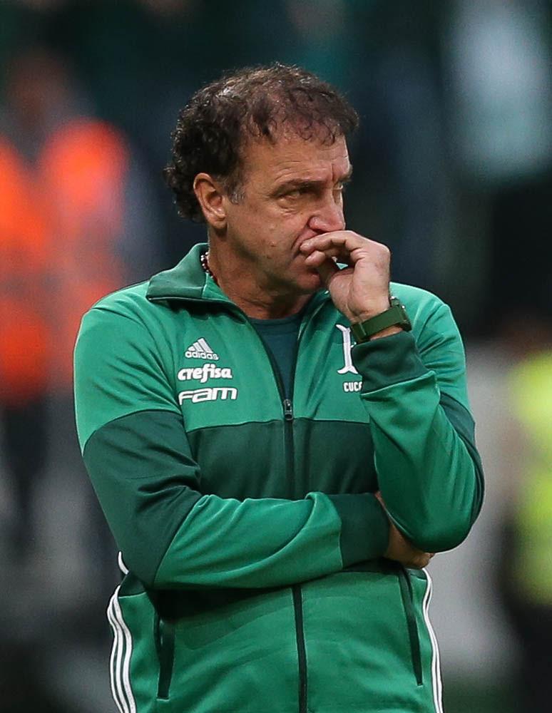 Cuca elogia Verdão após goleada e celebra liderança: 'Atribuo aos jogadores'