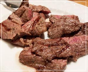 結局この分量のお肉を3回お代わり。よく食べました。