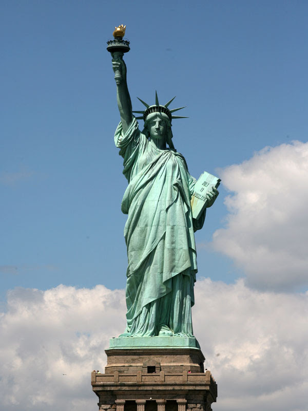 Statue of Liberty Is Number One Trend, For No Reason
