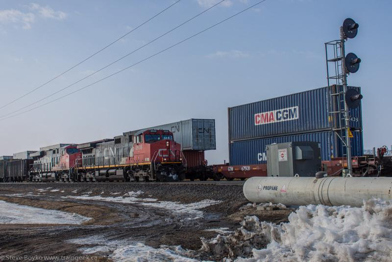 CN 2608 outside Winnipeg