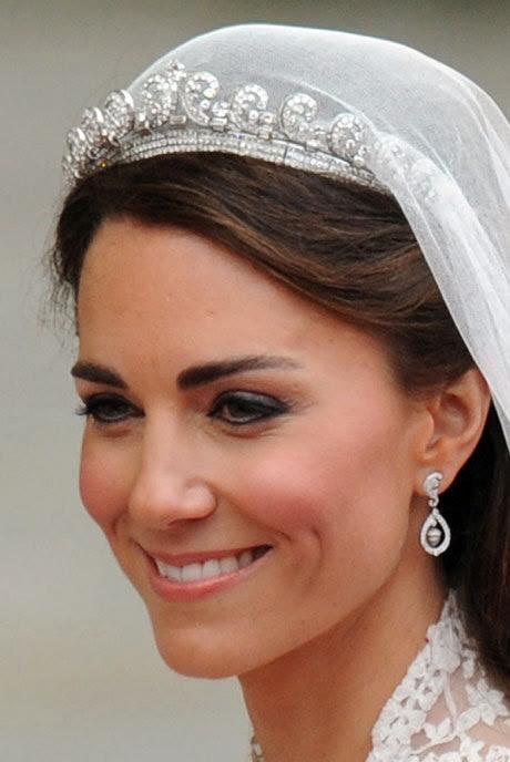 queen elizabeth ii coronation dress. queen elizabeth wedding dress.