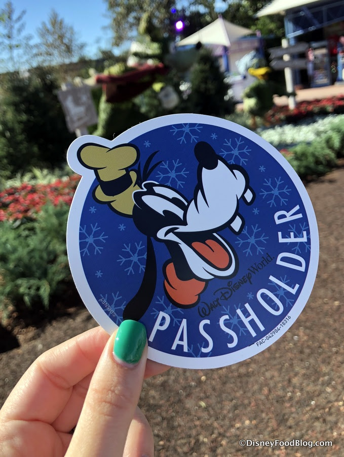 Get A Lil Bit Goofy With The New Annual Passholder Magicband Design Coming To Disney World The Disney Food Blog