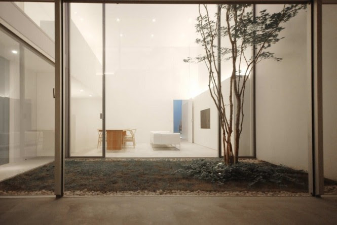 14 Internal Courtyard Minimalist