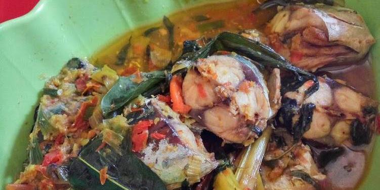 Resep Ikan Garo Khas Manado Oleh Tiffanny Chikita
