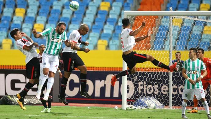 Goiás x Joinville - Série B 2016 (Foto: Sebastião Nogueira / O Popular)