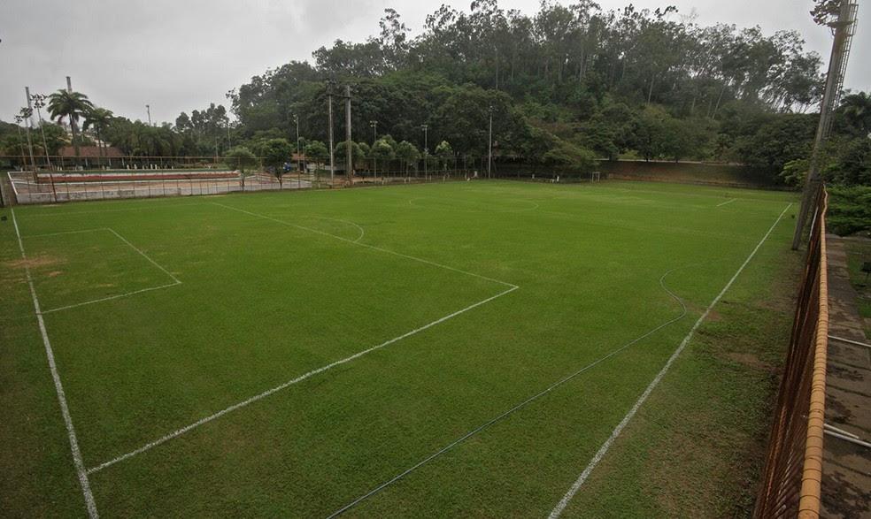 Campo dentro do CT do Ipatinga (Foto: Sérgio Roberto/Arquivo pessoal)