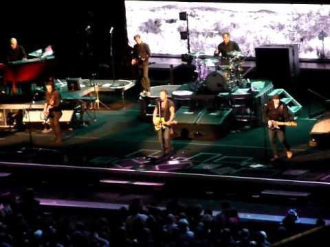 bruce springsteen born to run tour. Bruce Springsteen - Thunder Road - San Jose First Show Of 2009 Tour!