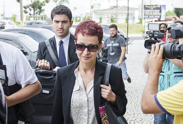 Marice Corrêa de Lima, cunhada do ex-tesoureiro do PT, chega à sede da Polícia Federal em Curitiba