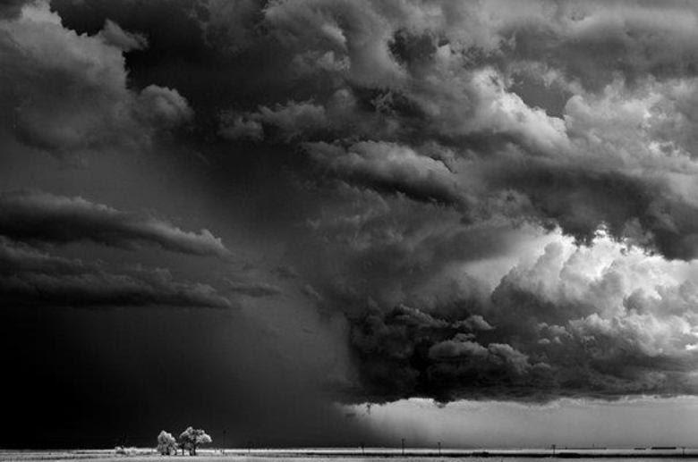 As tempestades e tornados que Dobrowner fotografou aconteceram em territórios desocupados