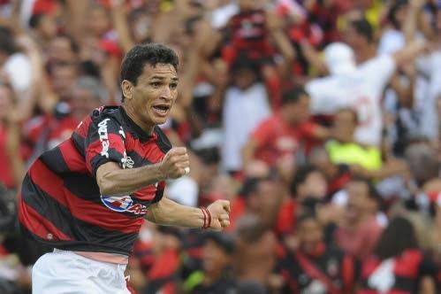 http://esporte.ig.com.br/images/256/5/5/7599925.us_ronaldo_angelim_ig_esporte_332_499.jpg