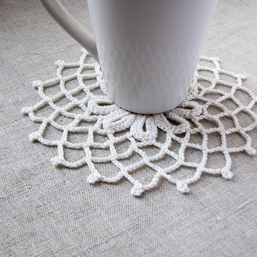 crocheted coaster by Lariata
