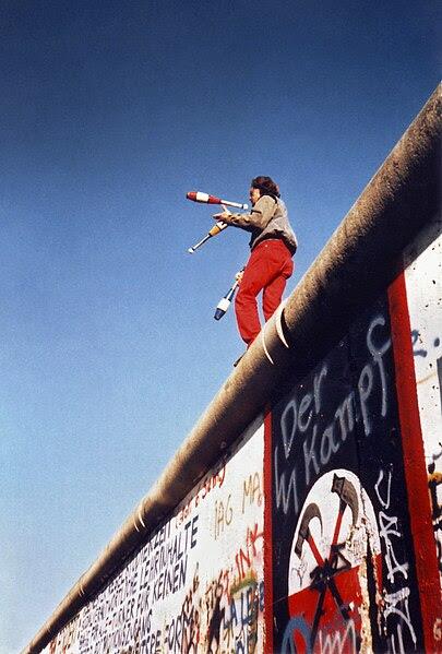 File:Juggling on the Berlin Wall 1a.jpg
