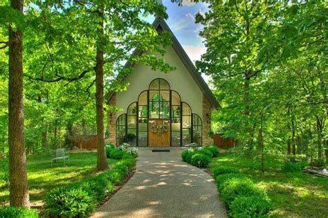 Stonegate Glass Chapel, Branson, Missouri