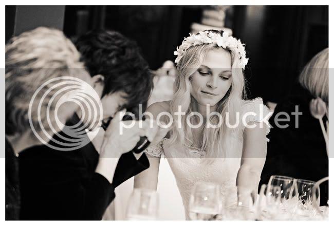 http://i892.photobucket.com/albums/ac125/lovemademedoit/vintage_chic_wedding028.jpg?t=1288714436