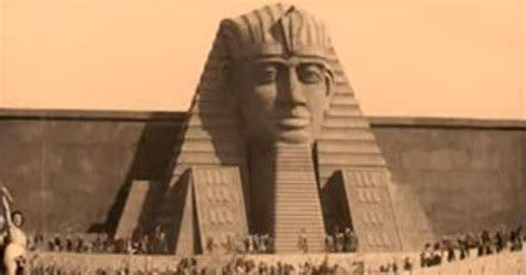 penemuan mayat firaun jasad  roda keretanya ditemukan