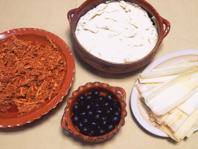 How to make shredded pork tamales - lacocinadeleslie.com
